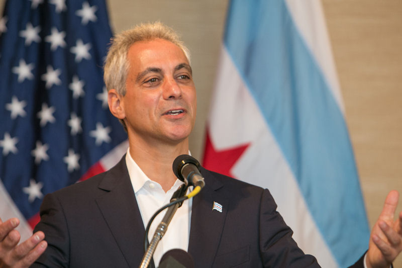 As opening speaker for the Chicago Water Summit 2014, Chicago Mayor Rahm Emanuel discussed how shared water challenges connect people and described his vision for Chicago as a leading water city. Photo courtesy of Kieffer Photography.