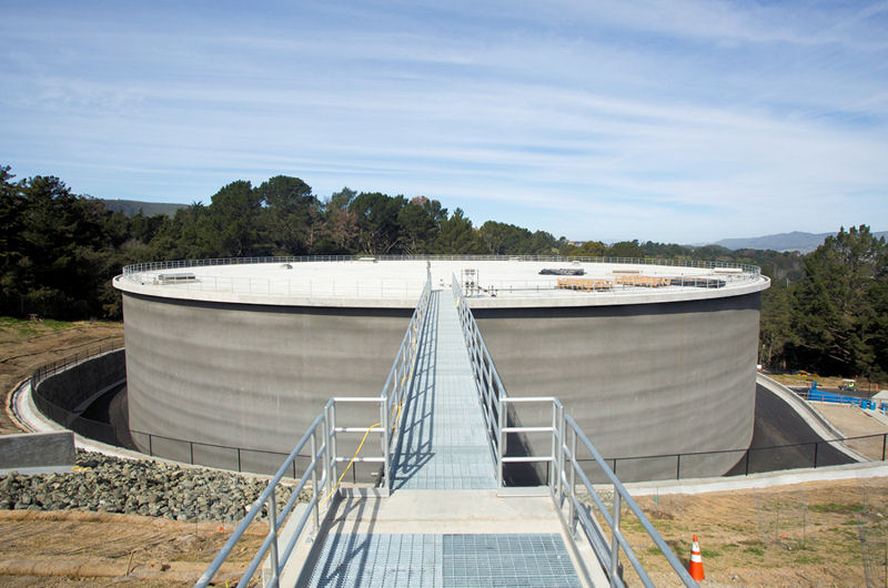 A new 41,600-m3 (11-million gal) treated water reservoir was constructed following the discovery of traces of the Serra Fault near the facility's existing treated water reservoirs. Photo courtesy of the San Francisco Public Utilities Commission.