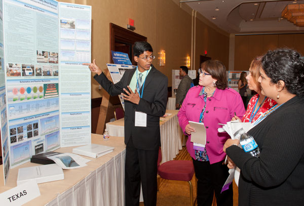 From left, the 2015 U.S. Stockholm Junior Water Prize winner Perry Alagappan presents his project to judges Donna Vincent Roa, Marlee Franzen, and Anisha Patel. Photo courtesy of AOB Photo.
