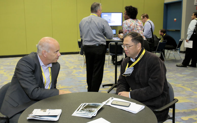IKE attendees were also able to network during the session. Photo courtesy of Oscar & Associates.