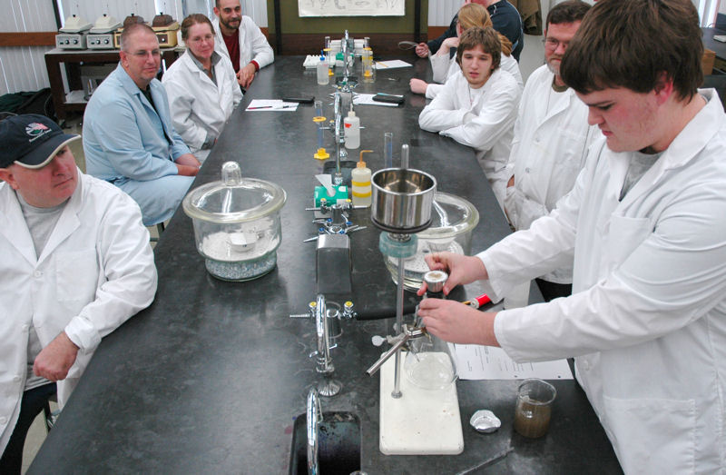 Students in the Linn-Benton Community College (LBCC; Albany, Ore.) Environmental Technology Department learn laboratory skills to prepare them to enter public works positions that include water and wastewater treatment. Photo courtesy of the LBCC Advancement Office.