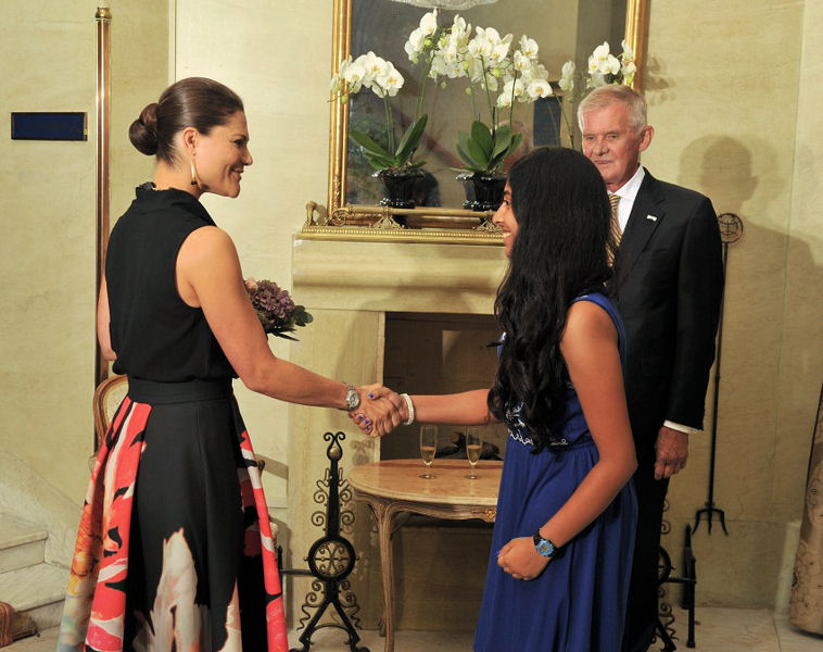 After presenting her research at the 2014 international Stockholm Junior Water Prize competition, Kurup had the opportunity to shake hands with Crown Princess Victoria of Sweden. Photo courtesy of Jonas Borg, Stockholm International Water Institute (London).