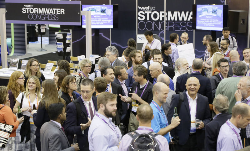 Stormwater Congress 2016 attendees network during a reception event. Photo courtesy of Oscar & Associates.