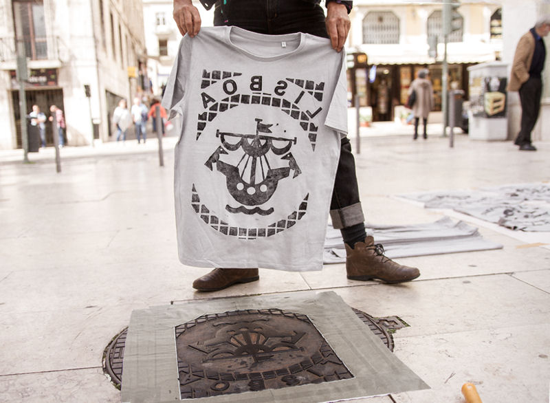 The artists take patterns and typography found on everything from manhole covers to sewer grates to make shirts, bags, and other items. Photo courtesy of Orpheas Tziagidis, Raubdruckerin.