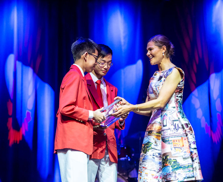 From left, the winning team from Singapore, Caleb Liow Jia Le and Johnny Xiao Hong Yu, receives the SJWP prize from Her Royal Highness Crown Princess Victoria of Sweden. Photo courtesy of Jonas Borg, SIWI.