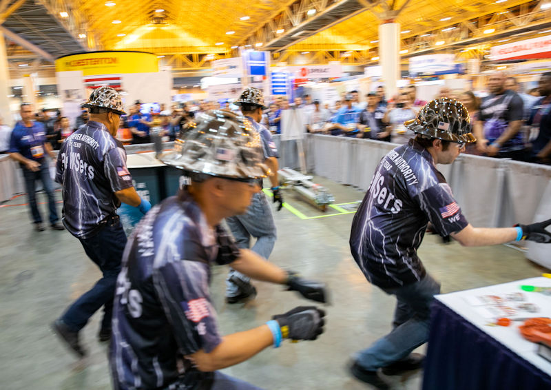The TRA CReWSers jump into action during the new KSB Maintenance Event at WEFTEC 2018. Photo courtesy of Kieffer Photography.